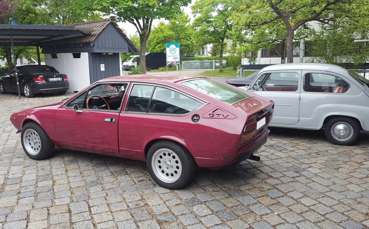 Oldtimer KFZ Werkstatt München - Alfa GTV weinrot