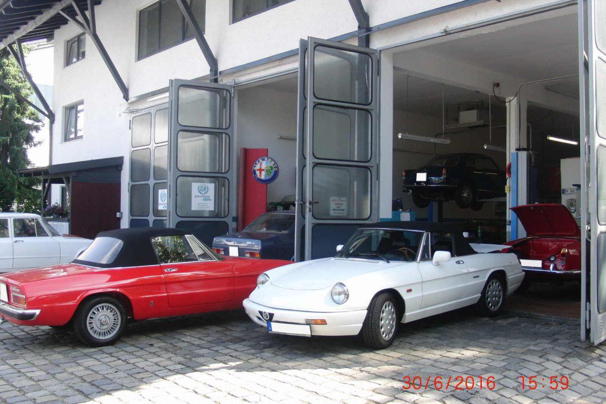 Oldtimer KFZ Werkstatt München - Oldtimer Werkstatt von außen + Alfa Spider