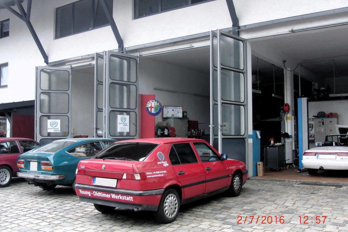 Oldtimer Werkstatt von außen